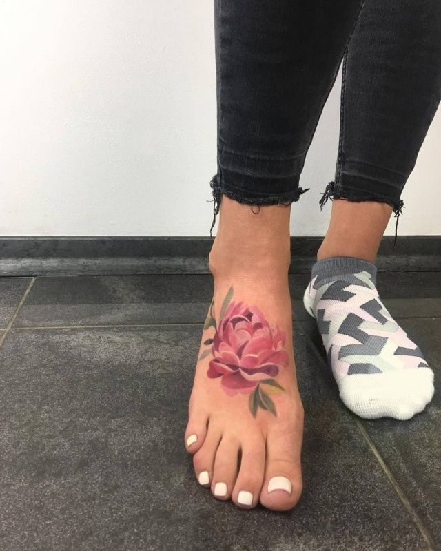 Lovely Flower Tattoos Trend Is Here