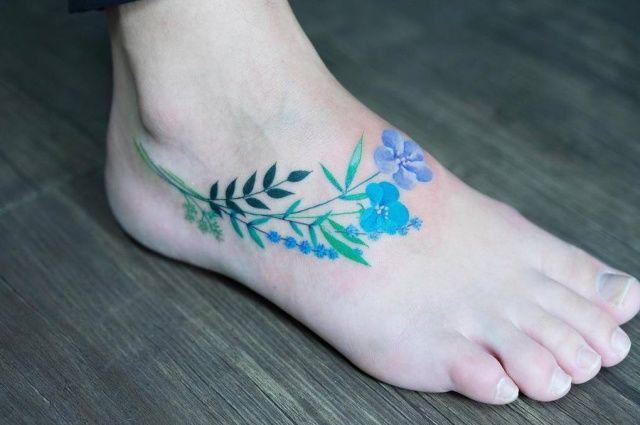Lovely Flower Tattoos Trend Is Here