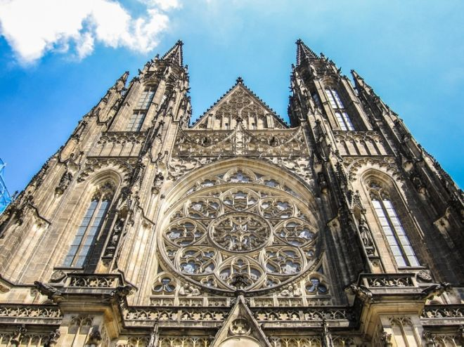 Explore The 10 Most Beautiful Cathedrals In Europe Funzug
