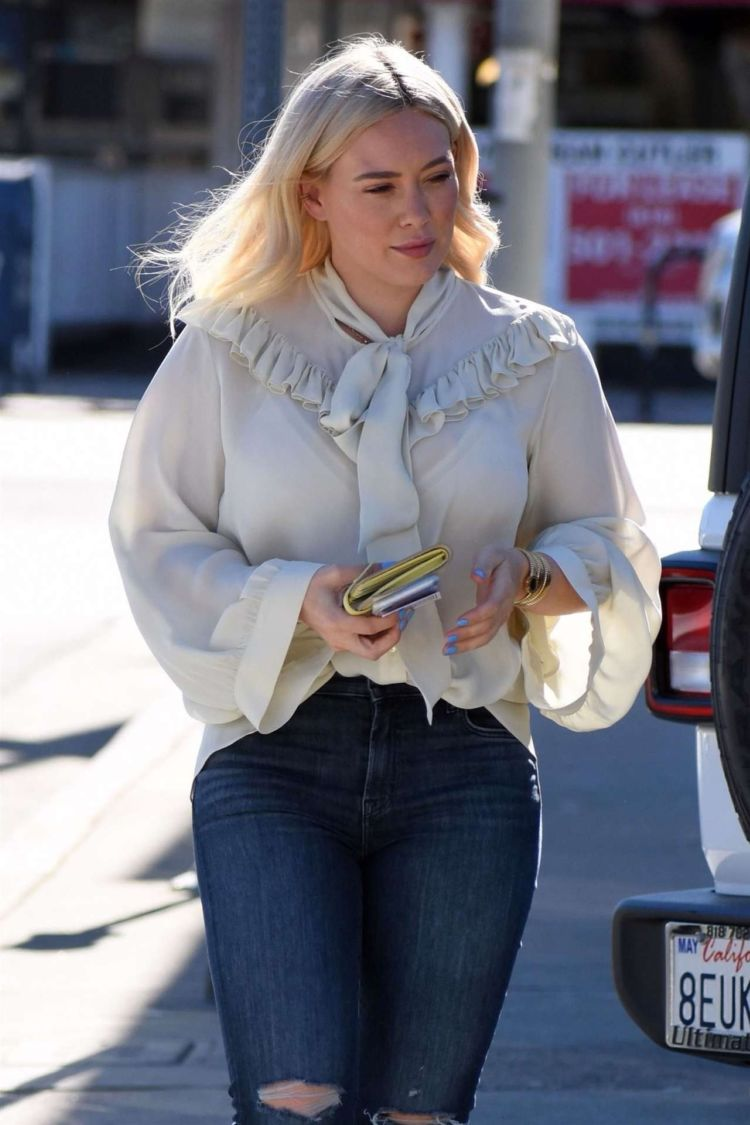 Hilary Duff Out And About Candids In Studio City