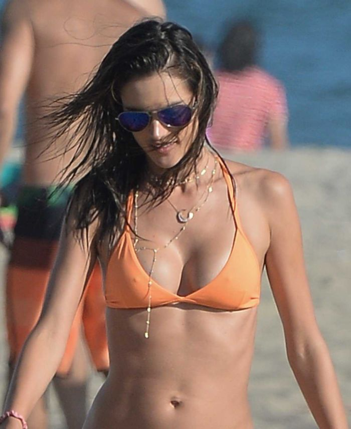 Alessandra Ambrosio Playing Beach Volleyball In Los Angeles