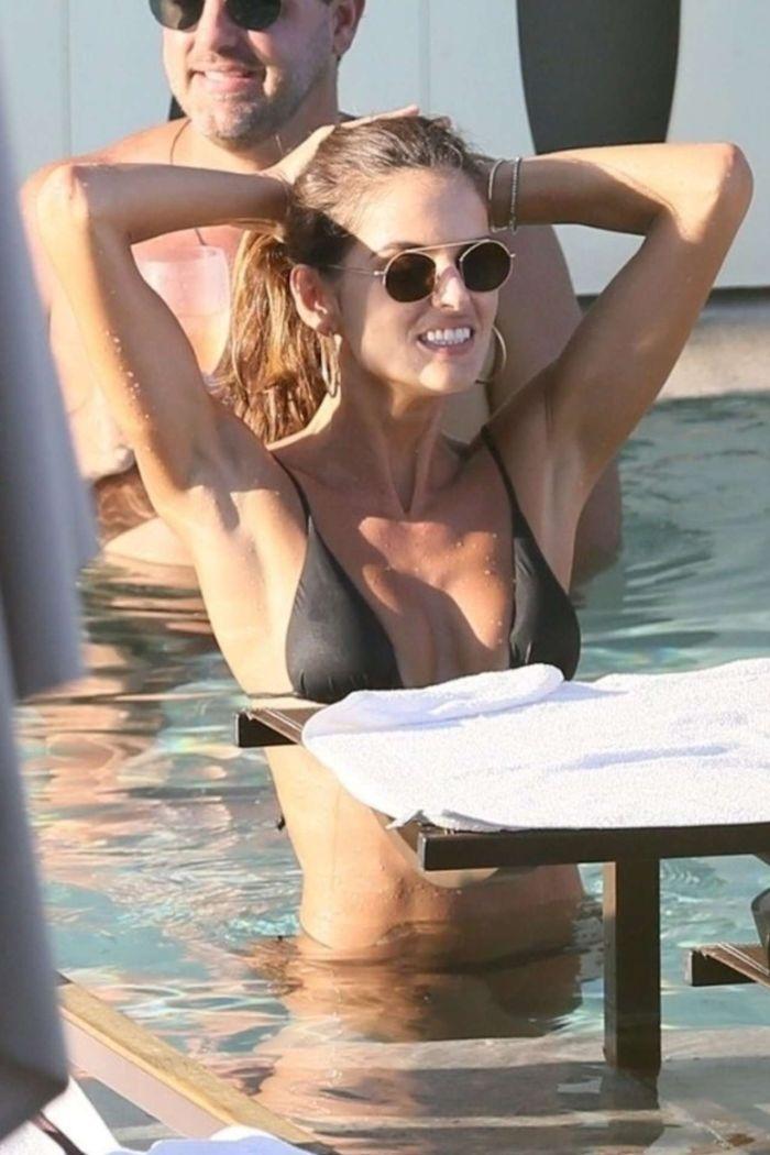 Izabel Goulart In Bikini At The Pool In Rio De Janeiro