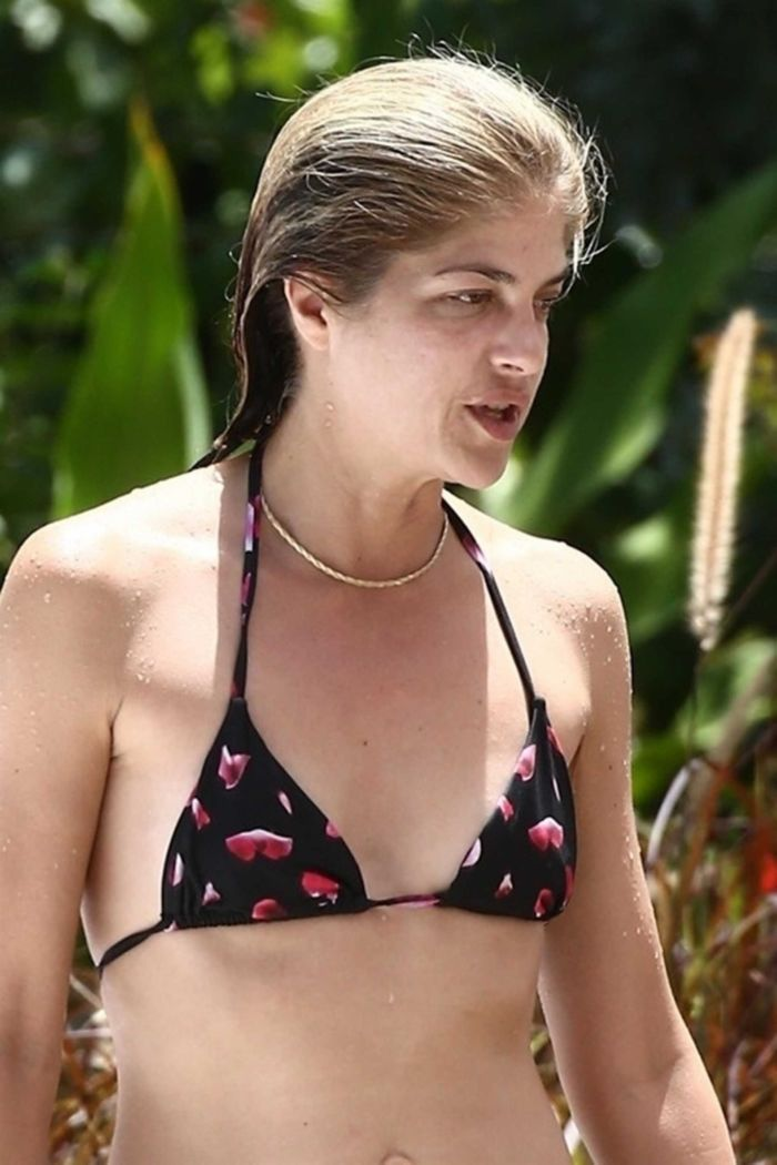 Selma Blair Relaxing At The Poolside In Bikini